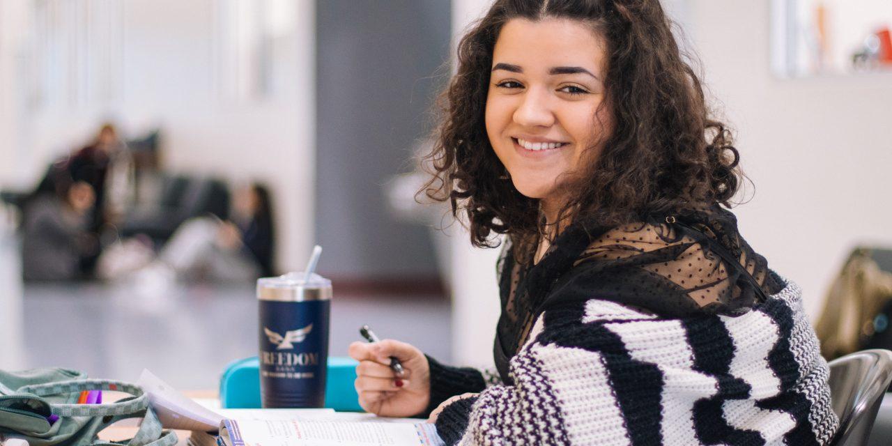 Soutien à l'emploi des jeunes et à l'apprentissage : proroger le dispositif actuel sans en exclure certains jeunes