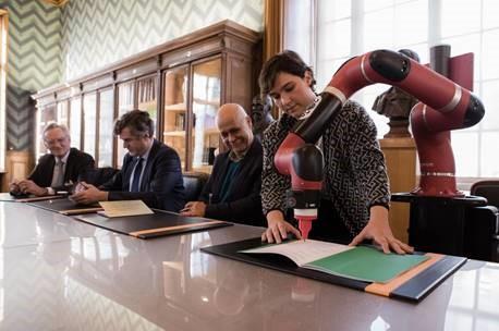 Signature de la Chaire Arts & Sciences :  la première en France