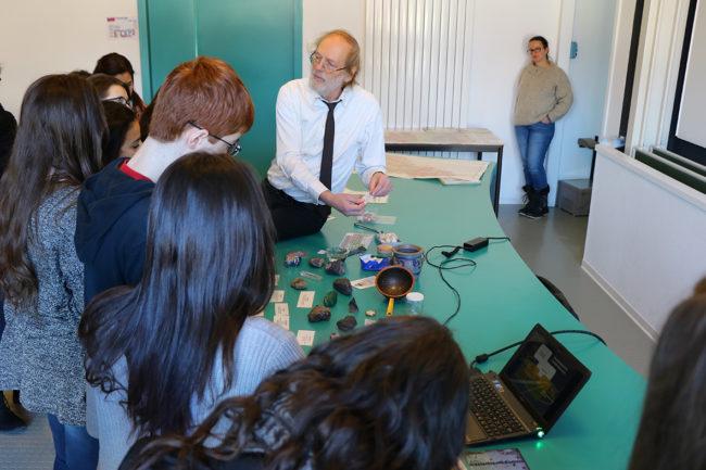 Initiation à la minéralogie à l'Ecole de chimie de Mulhouse :  six classes ont déjà participé