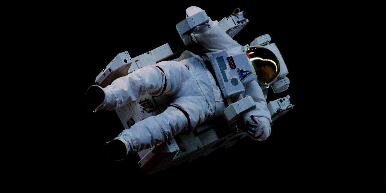 Homme dans l'espace