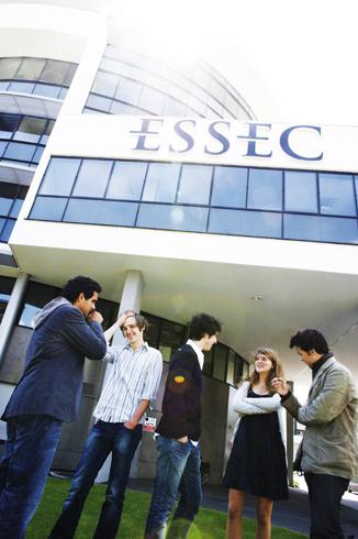 L'ESSEC : des actions handicap innovantes pour sensibiliser et former les étudiants, professeurs et collaborateurs