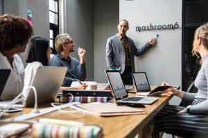 Maîtrisez les 8 essentiels du communicant