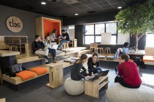 Le Kube, un espace entièrement dédié au co-working plébiscité par les élèves de TBS © DR