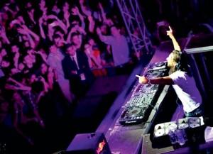 2012, le DJ Bob Sinclar entre en scène