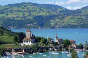 Les concurrents auront tout au long du Raid une vue imprenable sur les lacs de la région d'Interlaken