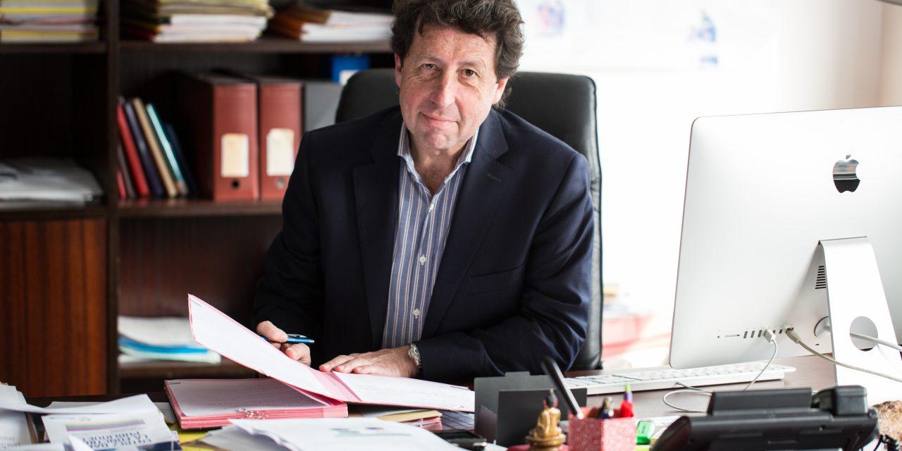 Renaud Dorandeu, Enseignant chercheur en science politique à Paris-Dauphine