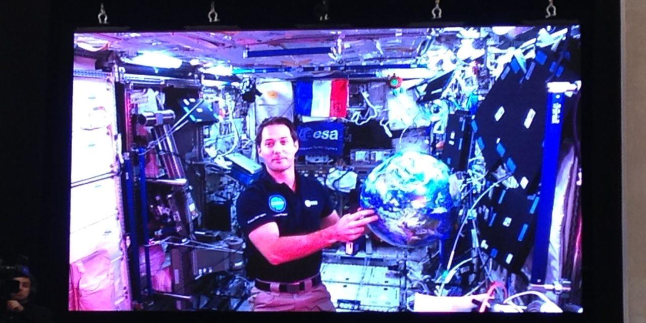 Allo Thomas Pesquet, 200 lycéens vous parlent depuis la Terre