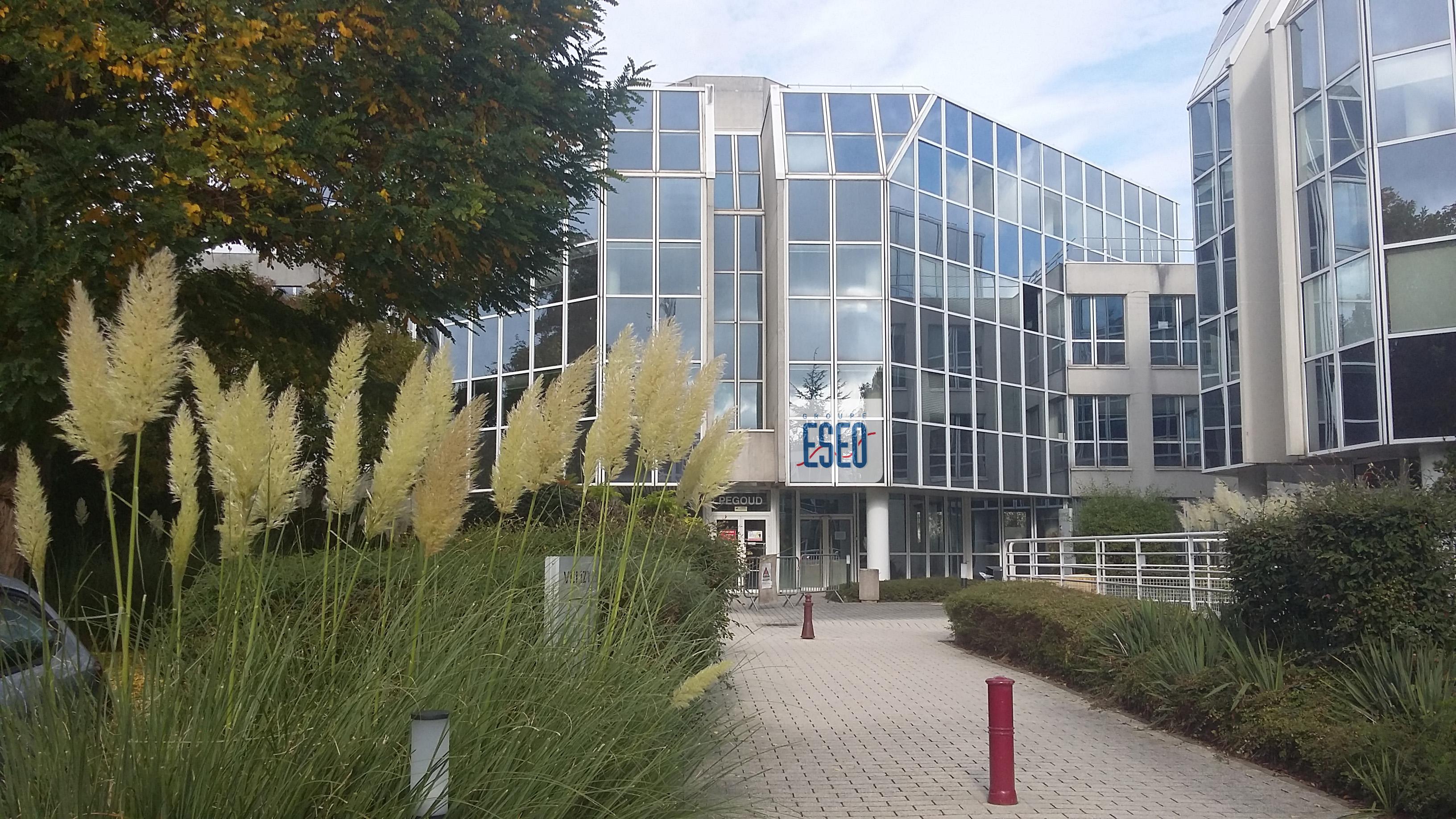 L'ambition du groupe ESEO : former les ingénieurs de l'Internet des Objets à Paris