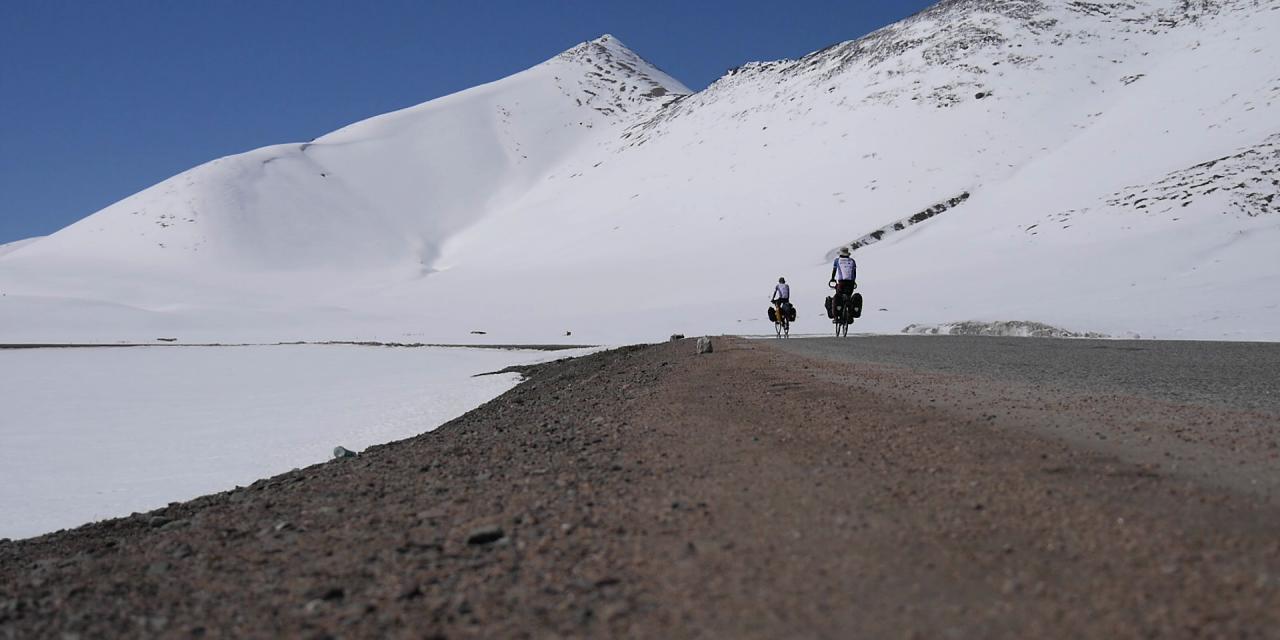 Au Bout de Soie, le périple micro solidaire à vélo