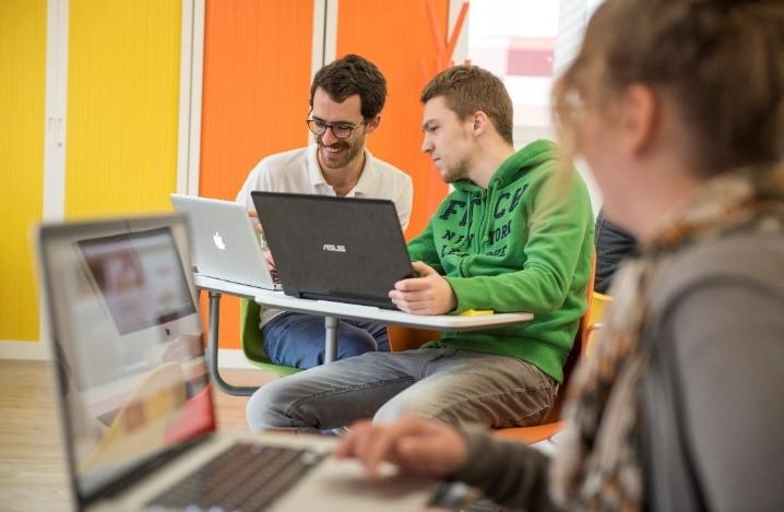 La Web School Factory crée une passerelle pour les bac+2/3 et ouvre ses portes